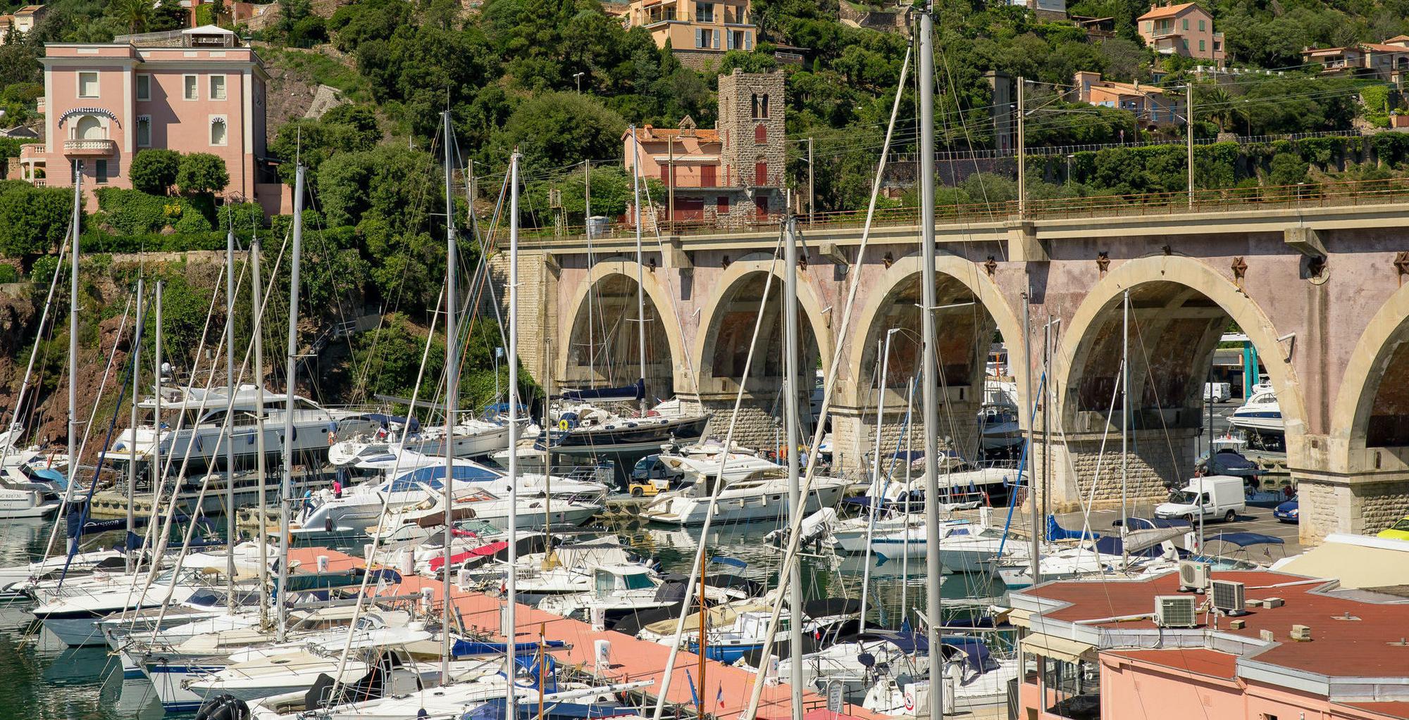 Welkom bij De Nederlandse Club aan de Côte d'Azur